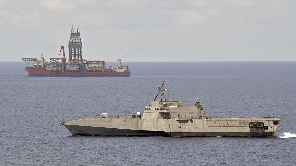 """美军舰现身马""""西卡佩拉""""号钻井船海域,为盟友""""撑腰"""""""