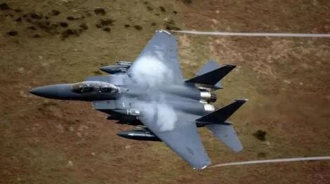美军机现身东海南海 金一南:谁敢攻击必令其加倍付出代价!