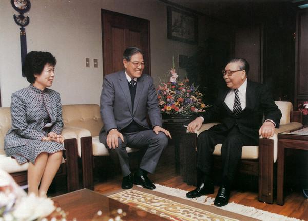 李登辉夫妇与蒋经国合影