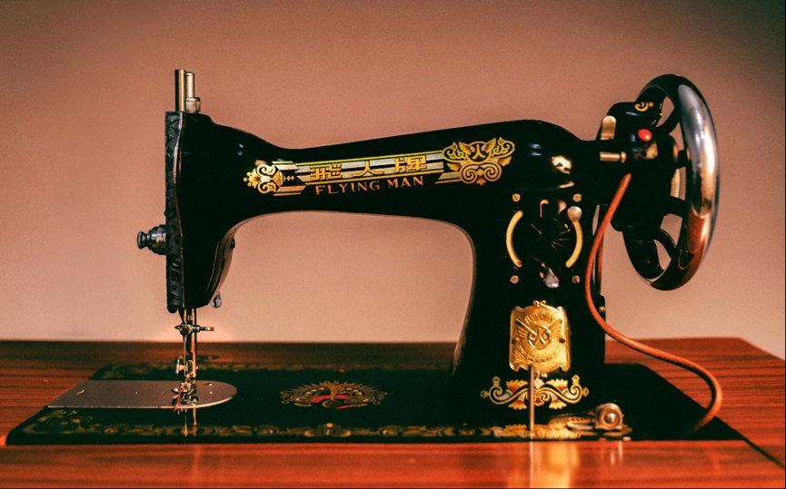 胡歌捐出家中的缝纫机