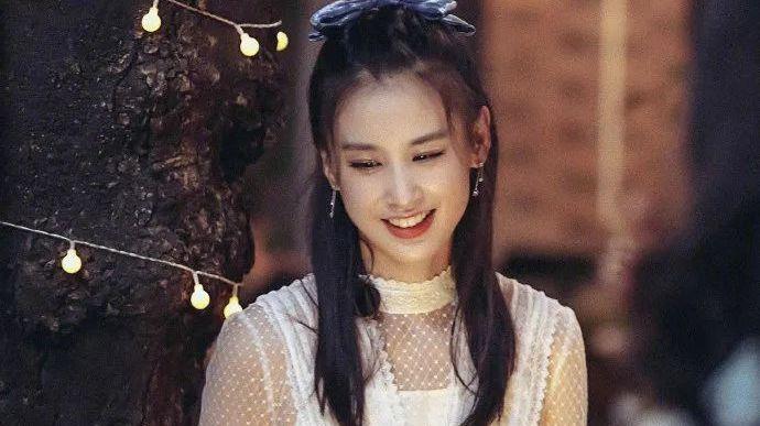 女人不哭子月_红人馆 | 黄圣依不甘心做一个美女,她还要很幽默_凤凰网