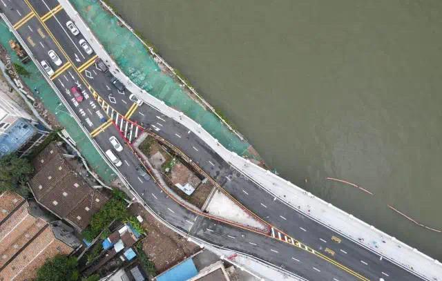 """【玄链】_广州""""桥中房""""背后:被绕过的""""钉子户""""和被浪费的公共资源"""