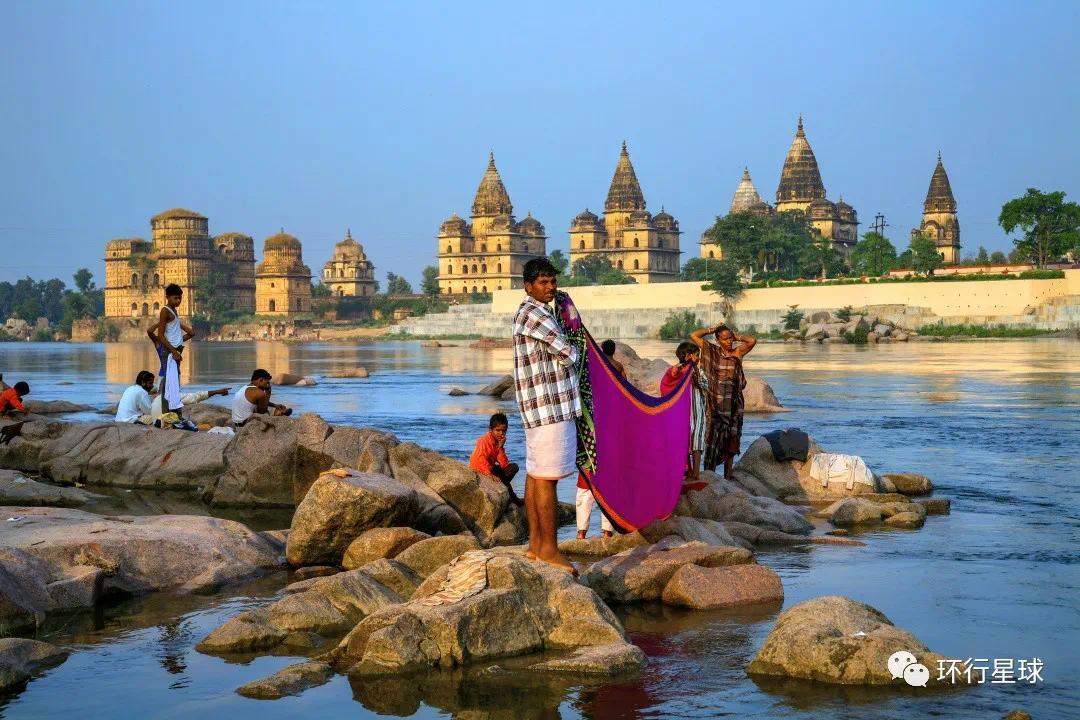 人们在Betwa河边 © ImagesofIndia / Shutterstock
