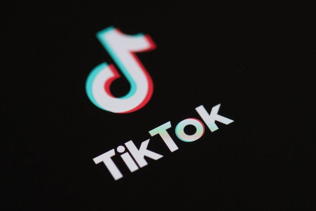【张岩程雪柔公交车】_菲律宾总统发言人:没有理由禁止TikTok,我也在用