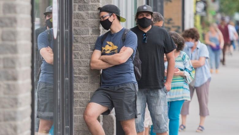 △在重启之后加拿大新冠疫情反弹,40岁以下的年轻人感染率最高