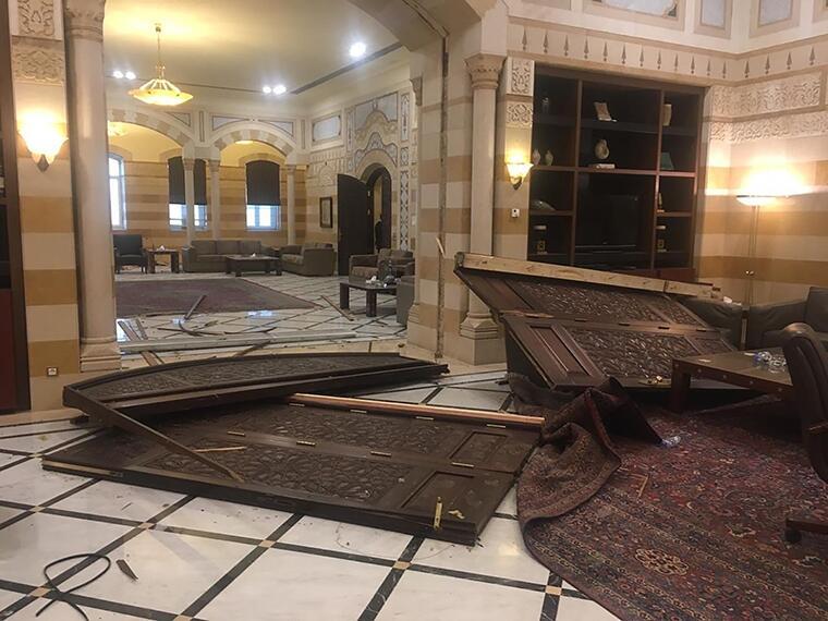 黎巴嫩大爆炸 总理府内部受损情况曝光