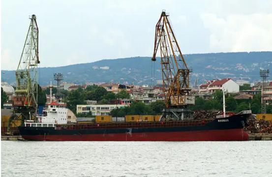 资料图:2010年,该货船停靠保加利亚