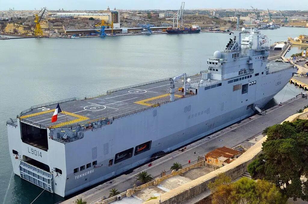 【孝义网】_黎巴嫩贝鲁特港大爆炸后,法国派来准航母提供援助