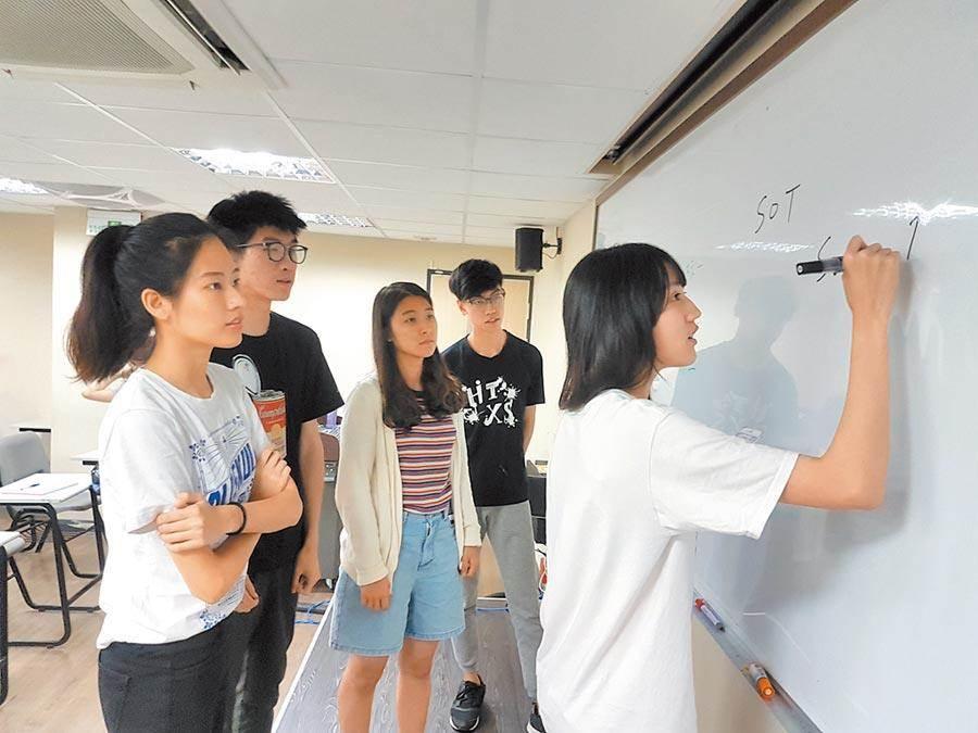 【衡阳网站优化】_陆生发起退学行动 台教授:大陆民众对台湾好感度大幅下降