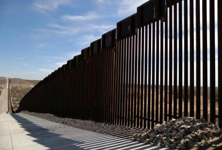 【二丁目的拓也】_古老墓地或遭破坏 美国一部落阻止特朗普政府修建边境墙