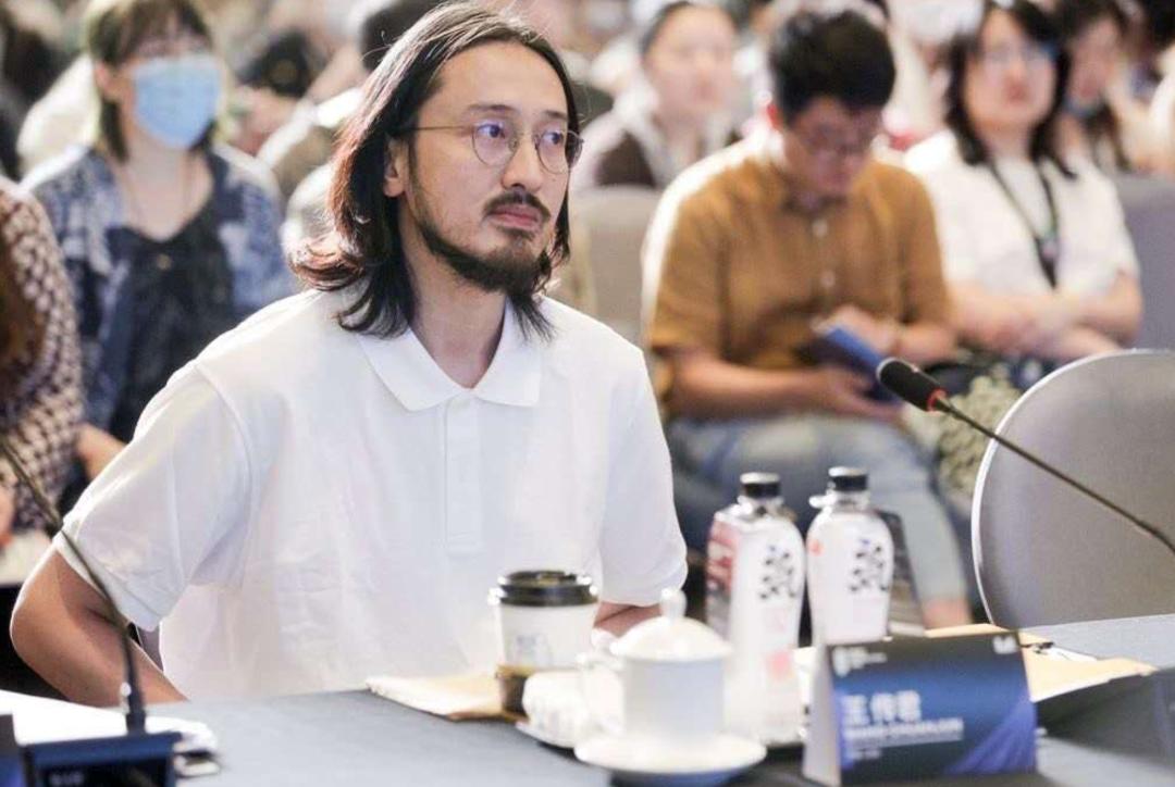 创投会上的王传君。图/FIRST青年电影展官方微博