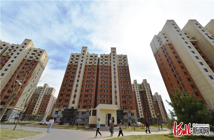 图为阜平县最大的易地扶贫搬迁安置点——安居家园。 河北日报记者赵海江摄