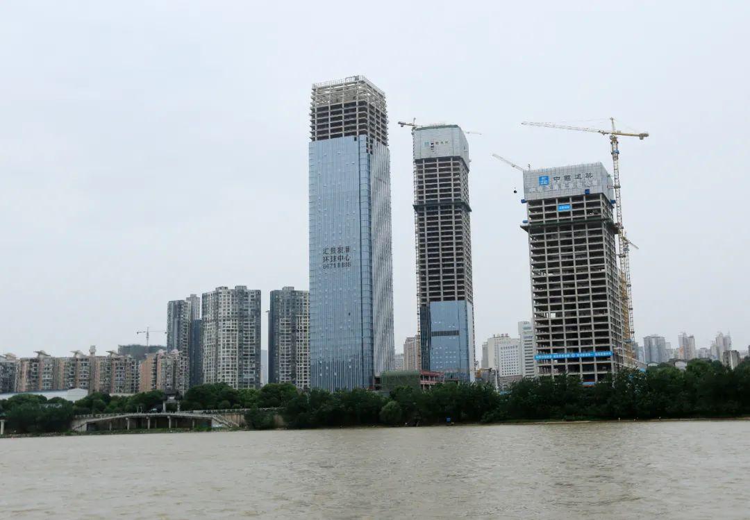 ▲ 长沙在建房地产楼群。图 / 视觉中国