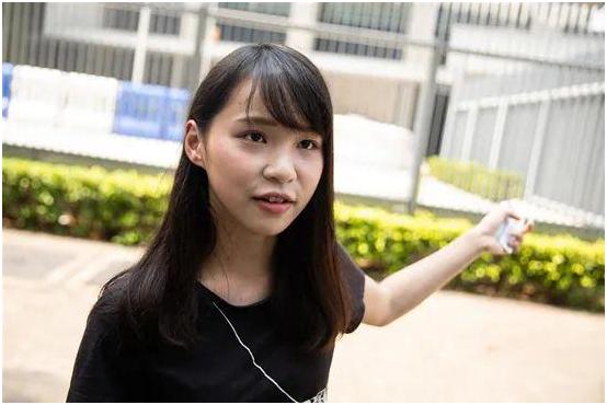 """""""港独""""分子周庭被捕,涉嫌违反香港国安法"""