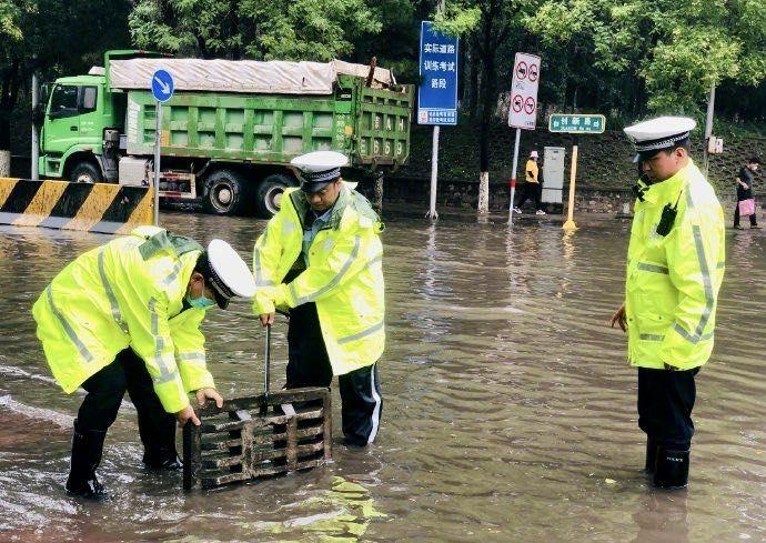 【快猫网址网站优化培训】_北京警方投入4万警力,应对强降雨天气突发情况