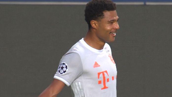 巴萨后防被打穿,格纳布里接长传抽射破门,拜仁3-1巴萨