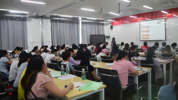 想去的举手!中国首家螺蛳粉产业学院开课