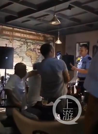 【垃圾邮件英语】_四川宜宾5公职人员咖啡馆内抗法被拘,纪委调查幕后经商官员