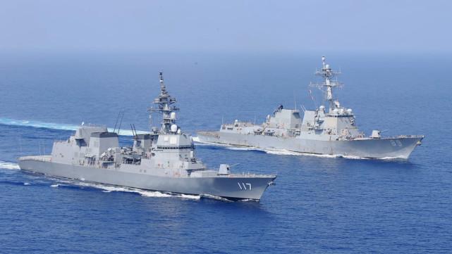 台媒:美军舰穿越台海,更接近大陆海岸线,遭解放军052D监视