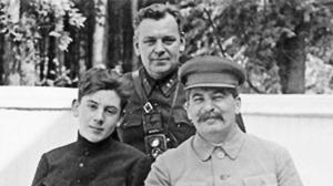 斯大林欲对列宁遗体进行防腐处理,列宁遗孀反对,斯大林这样说