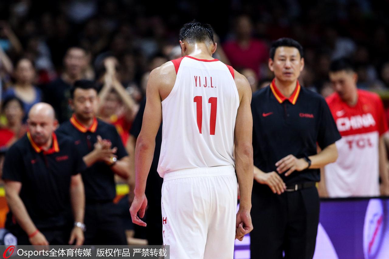 面对中国男篮的落后,阿联独木难支。