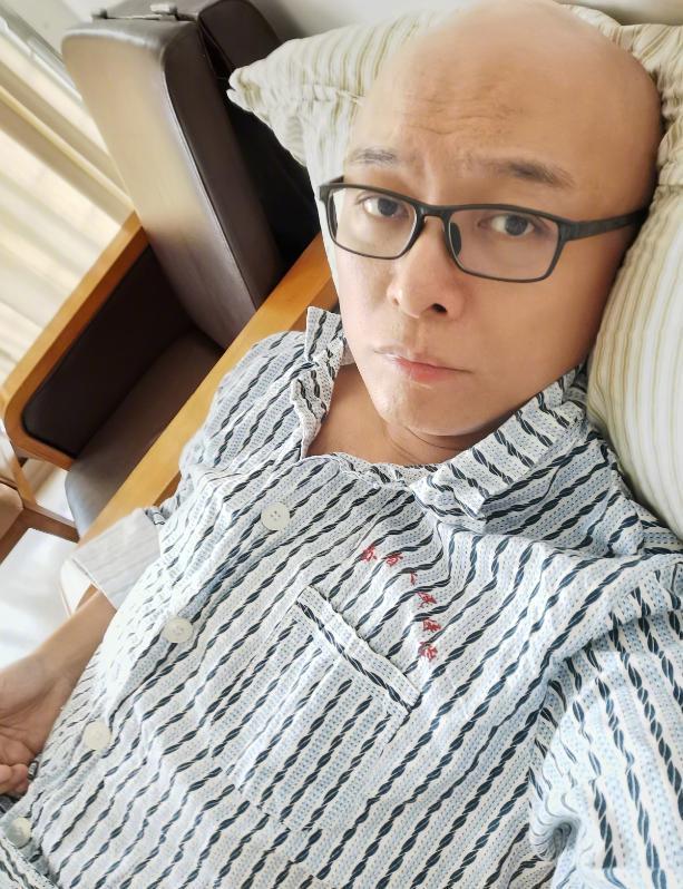 49岁孟非身体亮红灯?动手术后脸色憔悴直呼疼