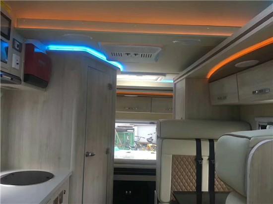 带洗手间可以洗澡的房车进口奔驰斯宾特24H