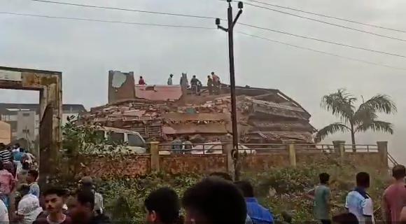 【k宝证书下载】_印度西部一建筑倒塌 或有约200人被困