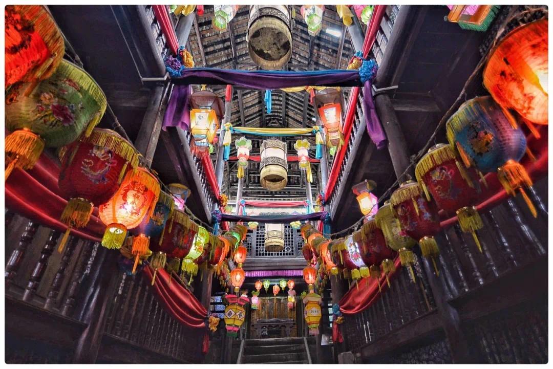 中国最传奇民国古镇,一脚踏三省,商旅云集、高度自治的富庶之地