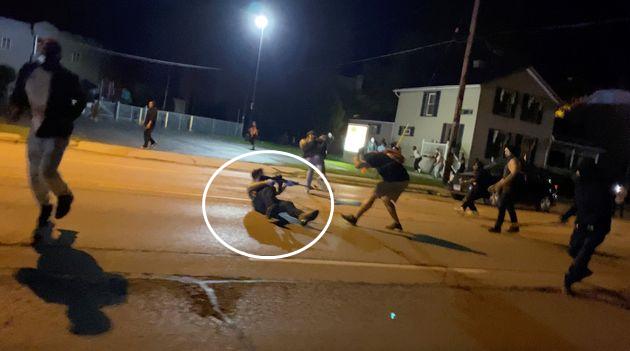 【如何写好文章】_现场!美国17岁男孩射杀两名示威者 持枪淡定走向警察