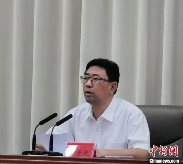 衡水市委书记、市文明委主任、市创城指挥部政委王景武在推进会上讲话。 王鹏 摄