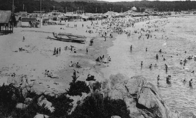 第一海水浴场 图片来源:青岛档案馆
