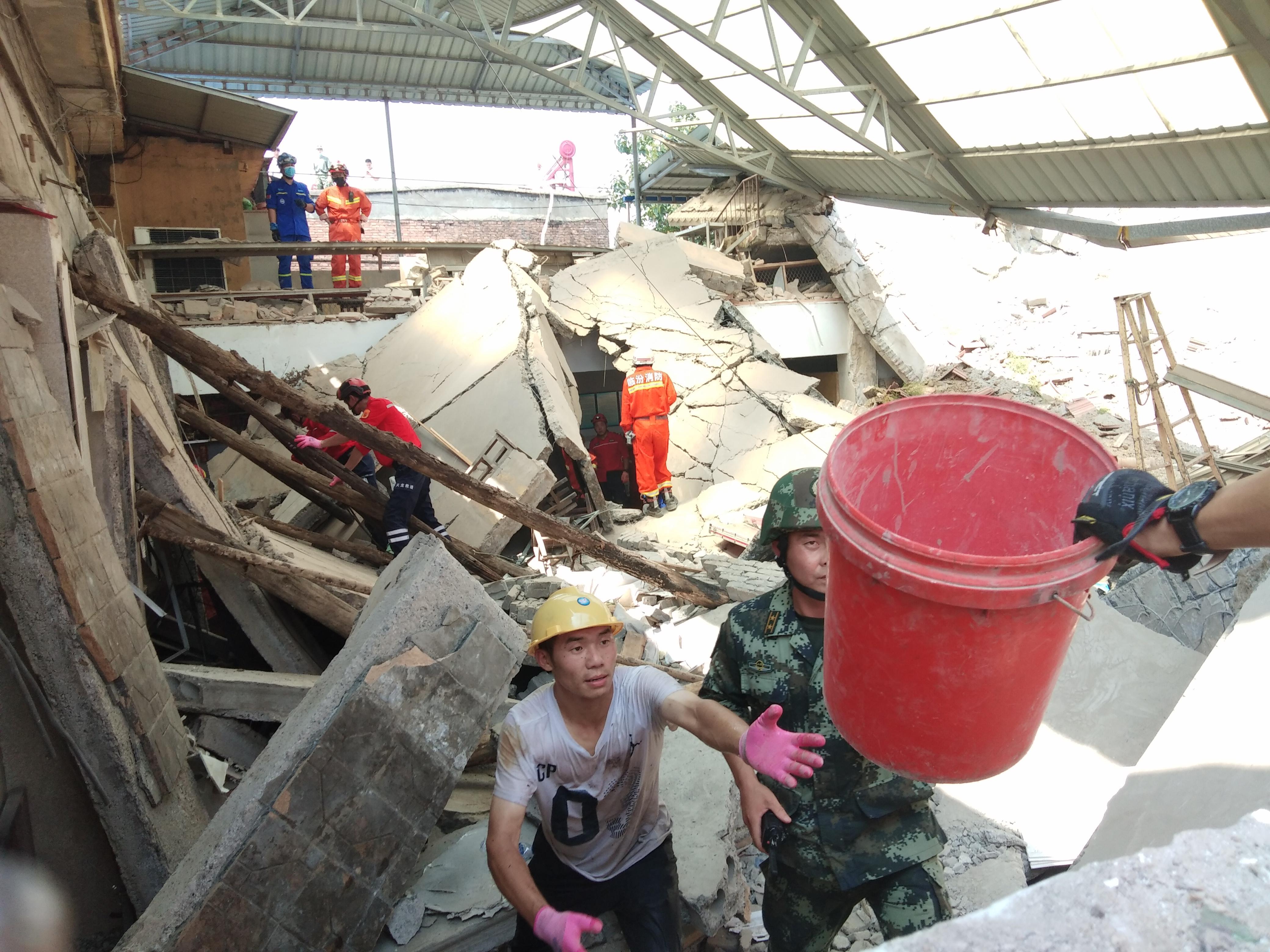 【酷狗k歌机】_救援队谈山西临汾饭店坍塌:坍塌部分为预制板搭建