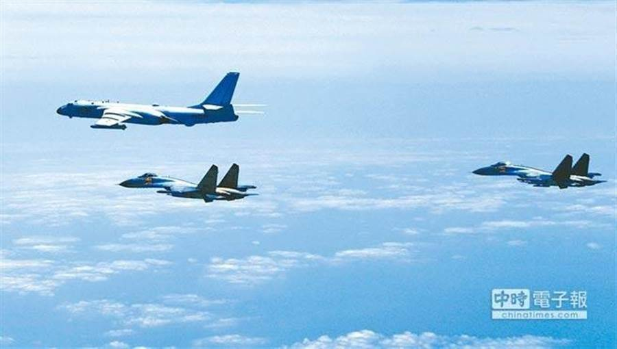 """台军方首度证实:解放军机舰每天在""""海峡中线""""以西巡航"""