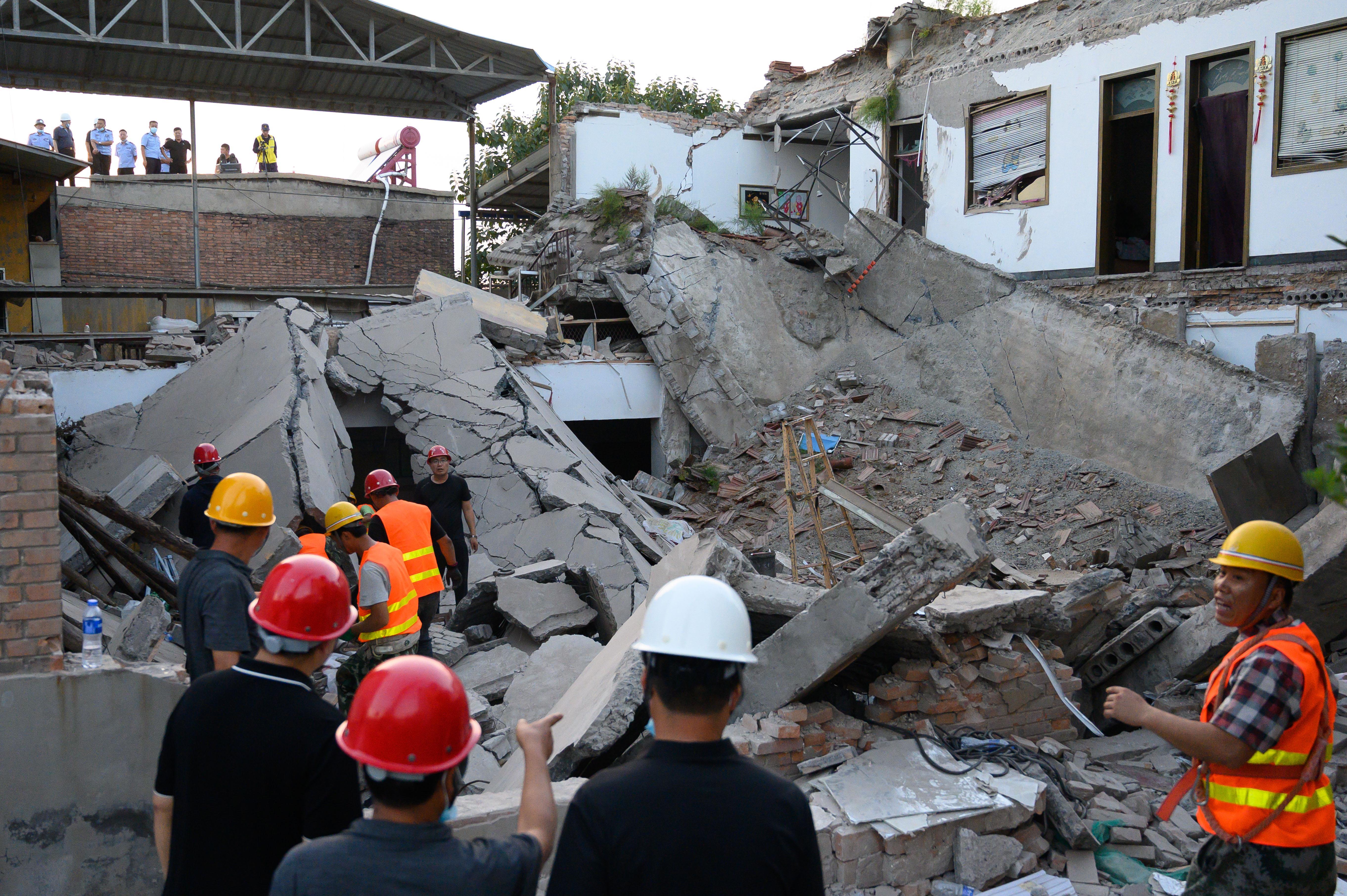 【google 中国】_山西襄汾坍塌饭店在当地热门 村民:幸亏当时多数人吃完饭去听戏了