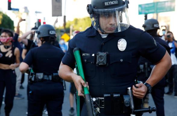 【无锡楼凤验证】_新冠肺炎成美国警察2020年首要殉职原因 远超枪击死亡