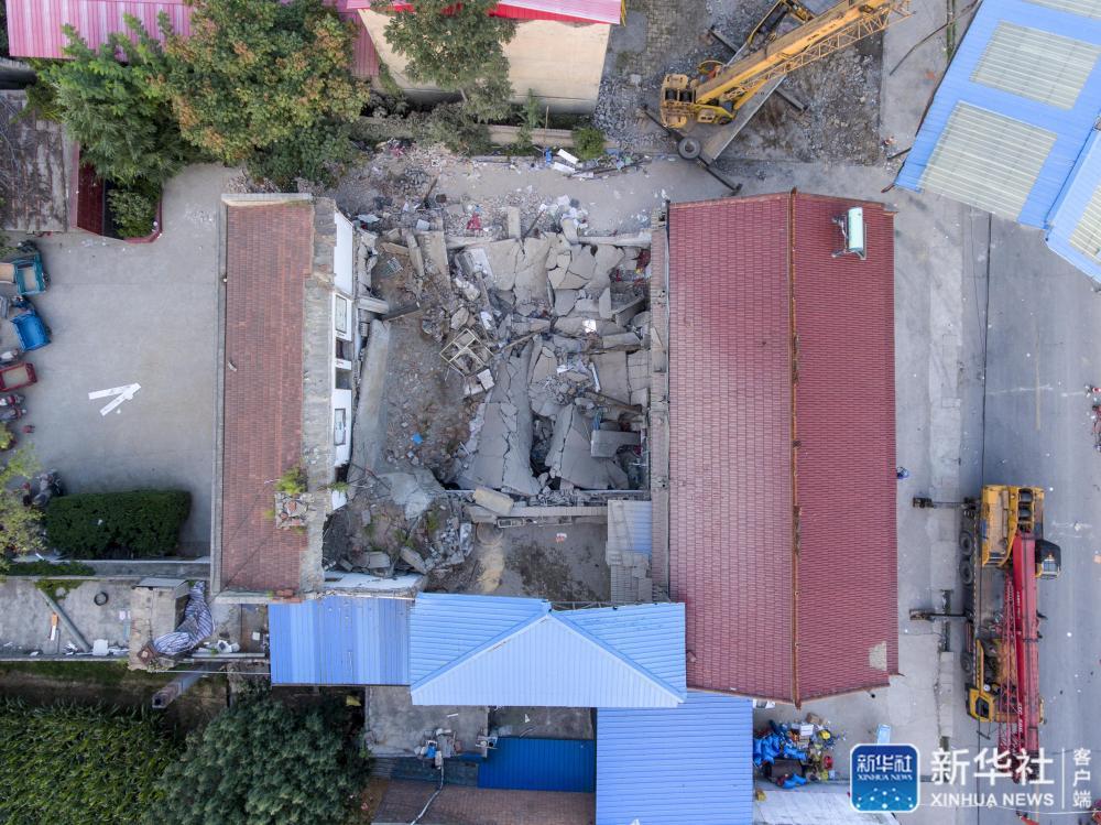 山西饭店坍塌致29死 新华社:100平方米,为何救援18个小