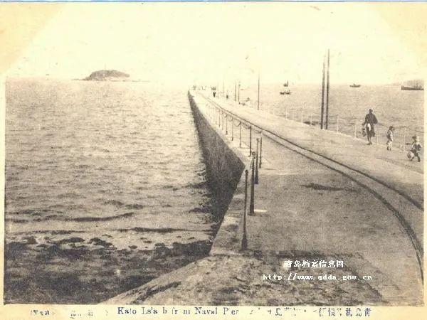 20世纪初的青岛栈桥 图片来源:青岛档案馆