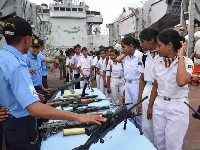 为缩小与中国差距,印度斥资5亿元建造潜艇,包括6艘核潜艇