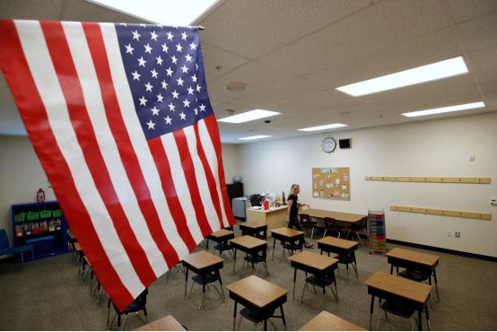 """【保定楼凤验证】_美国陷入""""开学困局"""":高校复课扎堆感染,在家上课问题频发"""