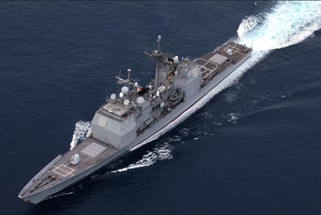 外媒称中国第八艘055驱逐舰下水:火力是052D两倍,应该叫巡洋舰