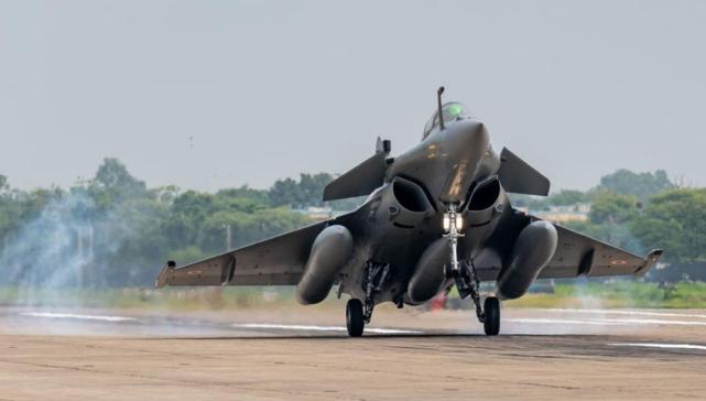 印军前高官叫嚣:印度空军是惩罚中国的关键力量,冬天等着瞧