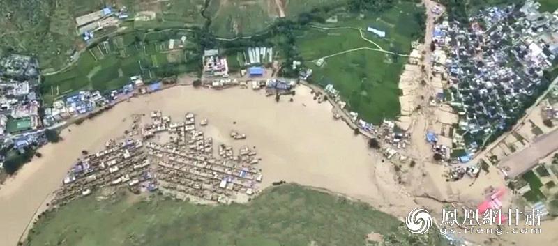 暴洪泥石流灾害使陇南市文县遭受重创