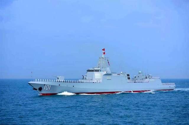 """【055型导弹驱逐舰""""南昌""""号】"""