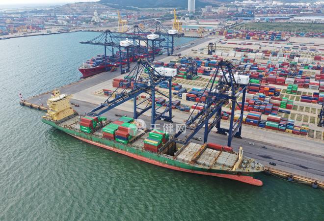 辽港集团长荣东南亚集装箱航线开通运营