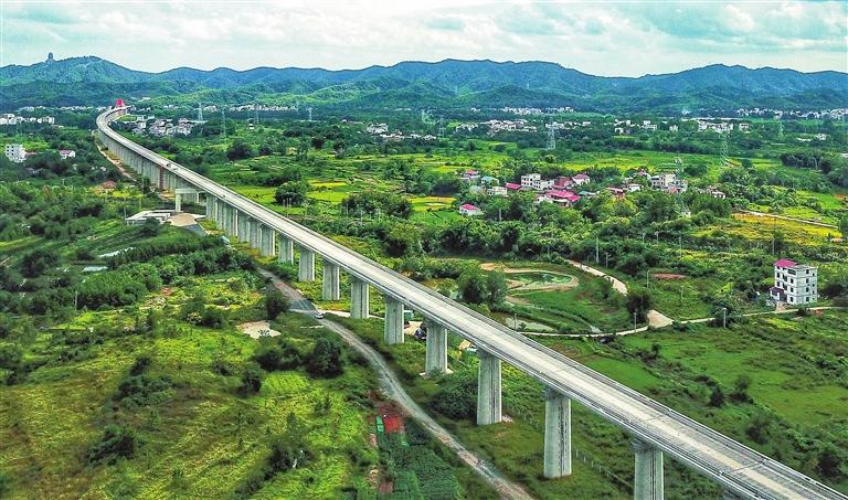 """高铁""""巨龙""""!赣深高速预计2021年底开通运营(图)"""