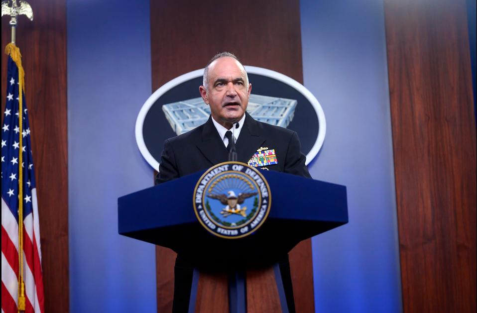 查尔斯·理查德在新闻发布会上/图自美国国防部网站