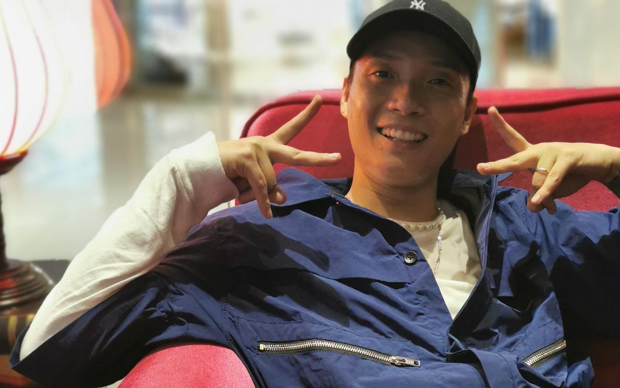 但是,很快,肖杰又露出了他开朗的招牌笑容。新京报记者 佟娜 摄