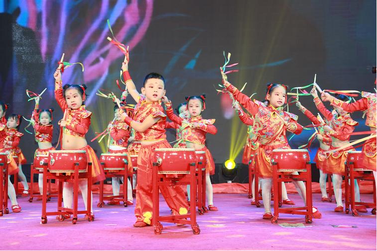 沈阳市和平区举办教师节表彰大会暨第21届中小学(幼)艺术节活动