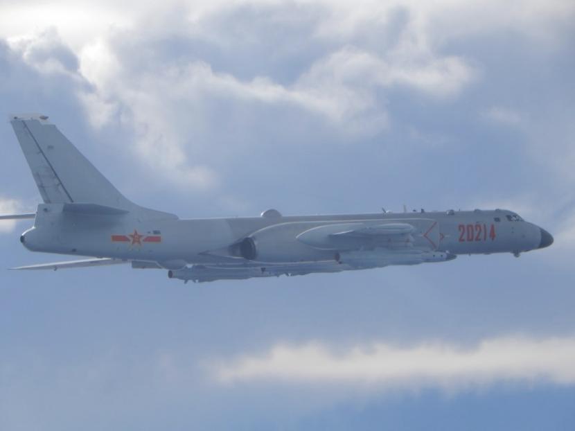 解放军战机四面逼近台湾岛 已非警告而是实战演练